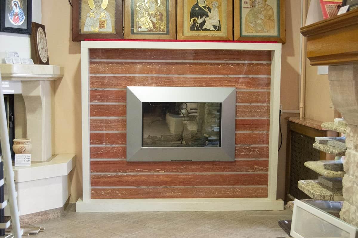 Электрический камин с эффектом живого огня и облицовкой из мрамора. изображение, фото 2